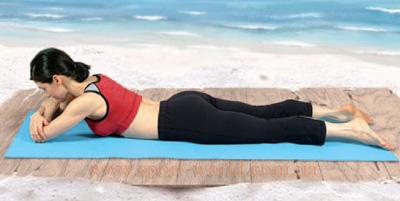 йога поза крокодила техника выполнения