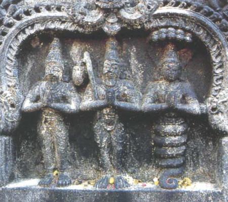 статуи йоги