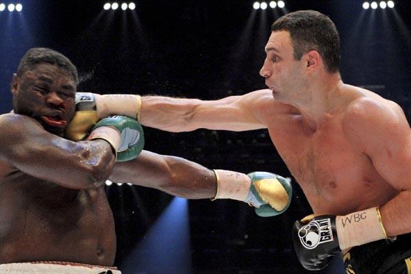 Правый прямой удар в боксе техника и движение ног